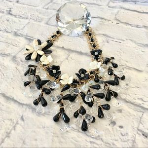 🌸Jeweled Ribbon Flower Necklace
